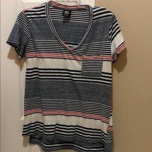 Bobeau short sleeve pocket v-neck shirt M